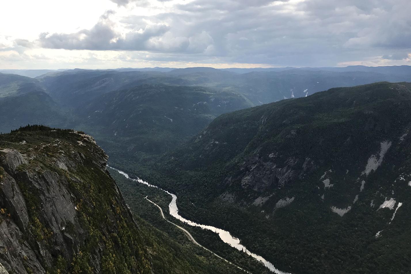 Vallée montagneuse